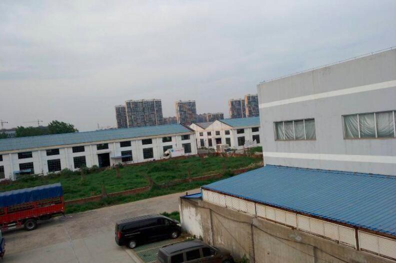 南京江北新区 六合龙池 近地铁 公交直达 厂房出租 2400平  场地2100平