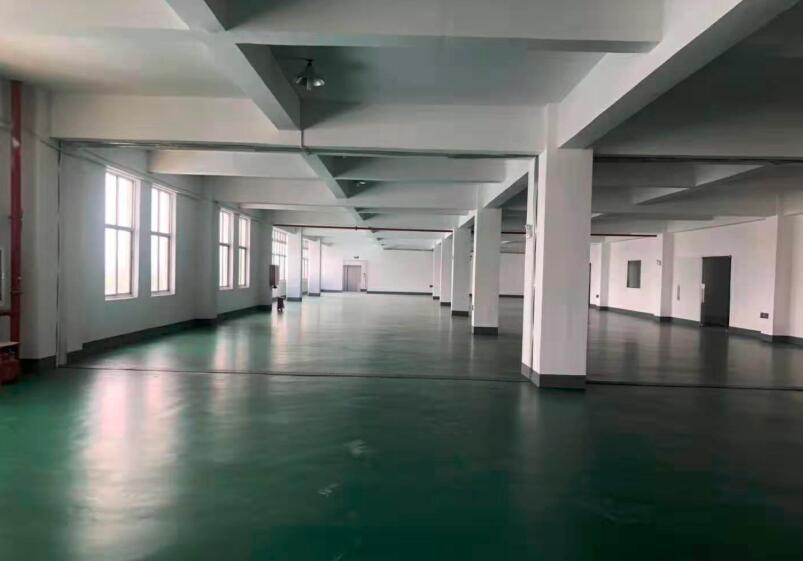 松江九亭楼上1060平标准厂房整层出租 无任何公摊面积 0.83元