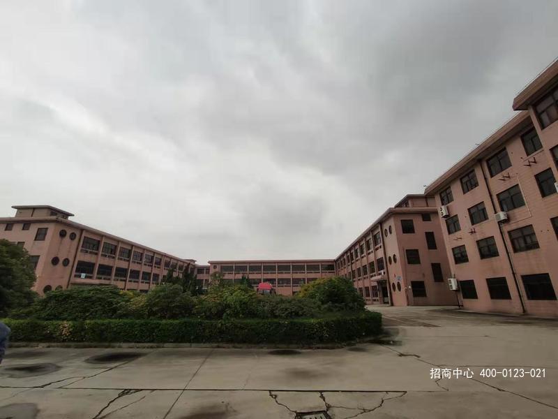 G2657 嘉定区外冈工业园区 15000平方米多层厂房出租 整体出租